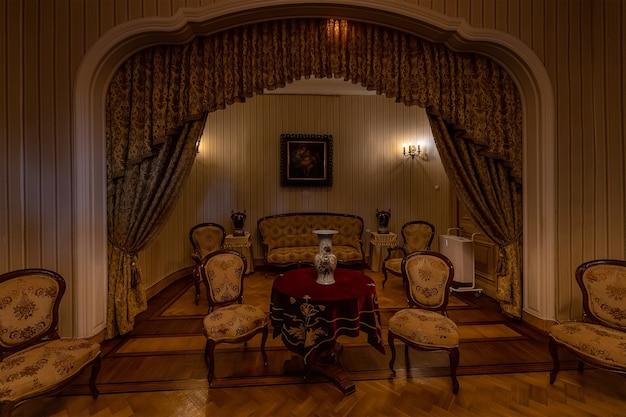 Massandra crimea interior do palácio imperial em conjunto de móveis massandra gambs