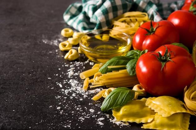 Massas e ingredientes italianos