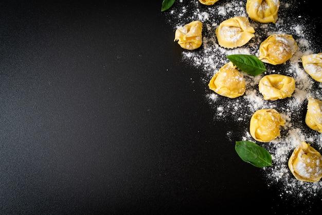 Massas tortellini tradicionais italianas