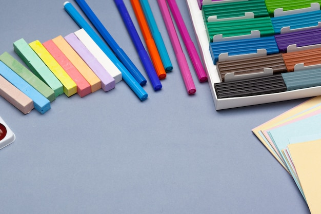 Massinha colorida para moldar em caixa. foto do estúdio