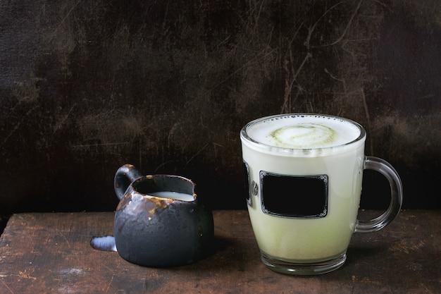 Matcha latte com leite