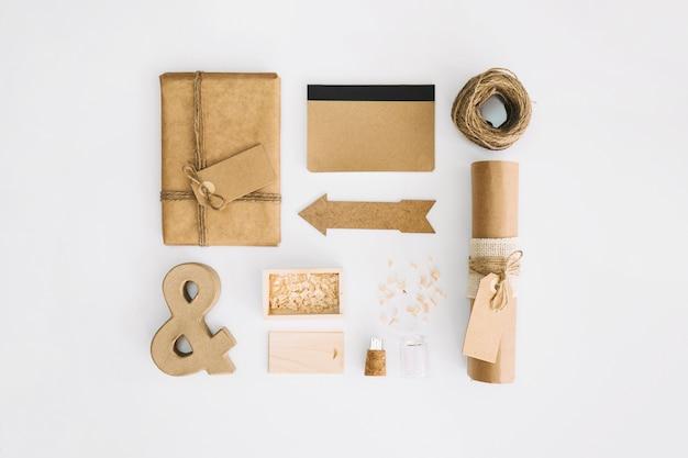 Materiais de artesanato em branco