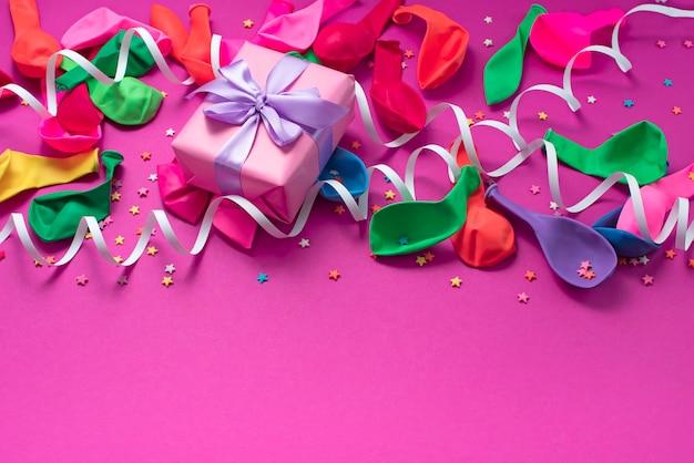 Materiais de composição decorativa de fundo festivo