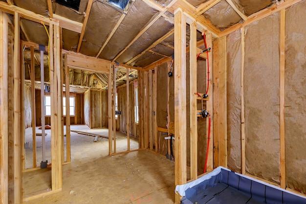 Materiais de isolamento térmico de algodão fibra mineral lã mineral em paredes de construção de casa