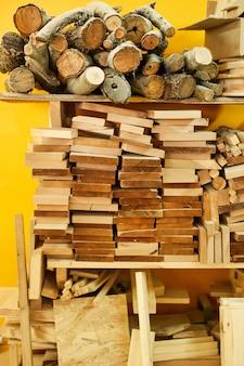 Materiais de madeira em marcenaria
