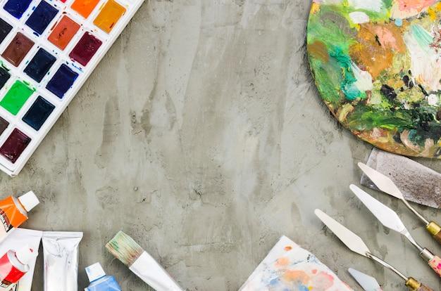 Materiais de pintura vista superior