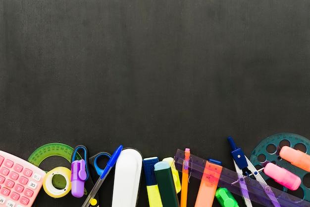 Materiais escolares com espaço de cópia superior