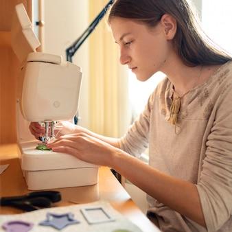 Material de costura feminina de tiro médio