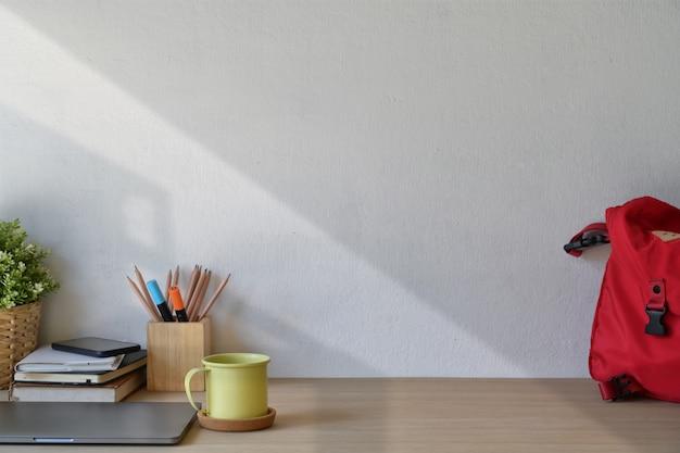 Material de escritório elegante espaço de trabalho e espaço de cópia