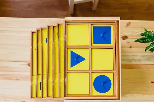 Material de geometria montessori