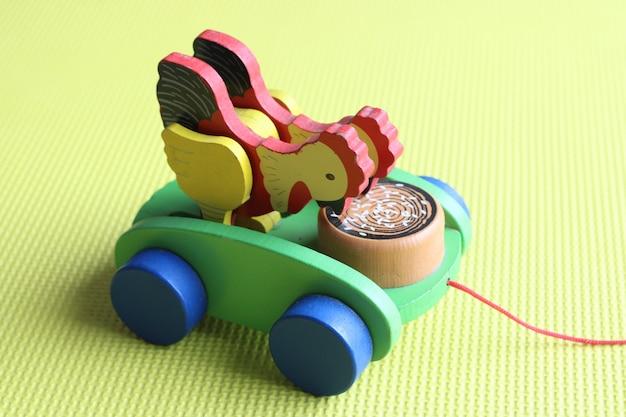 Material montessori - brinquedo de puxar de madeira
