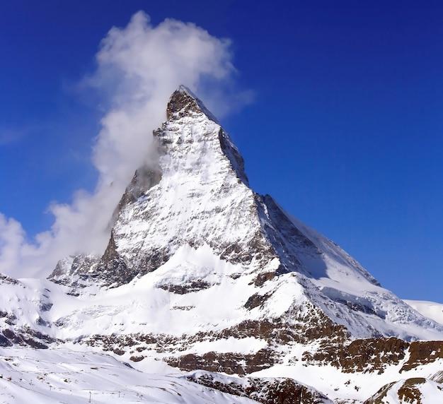 Matterhorn, logotipo do chocolate toblerone, localizado na suíça
