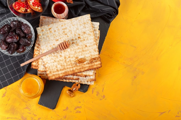 Matzo kosher judeu tradicional para a páscoa pesah