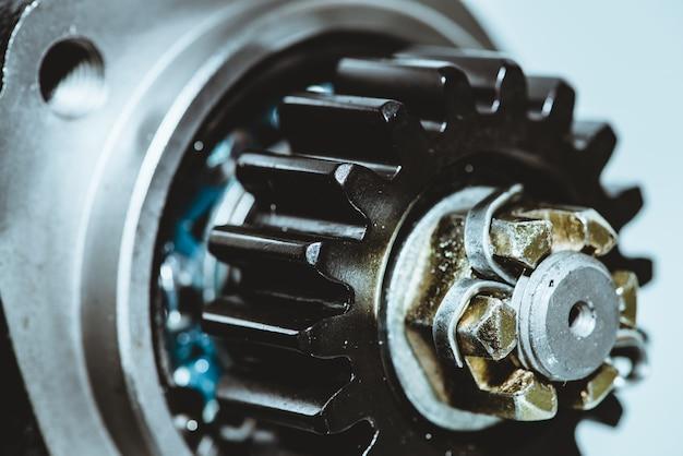 Mecanismo da peça de automóvel funciona com energia azul limpa