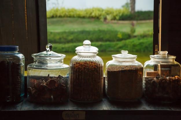 Medicamentos secos tailandeses tradicionais