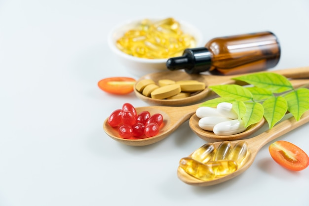 Medicina alternativa à base de ervas, vitaminas e suplementos