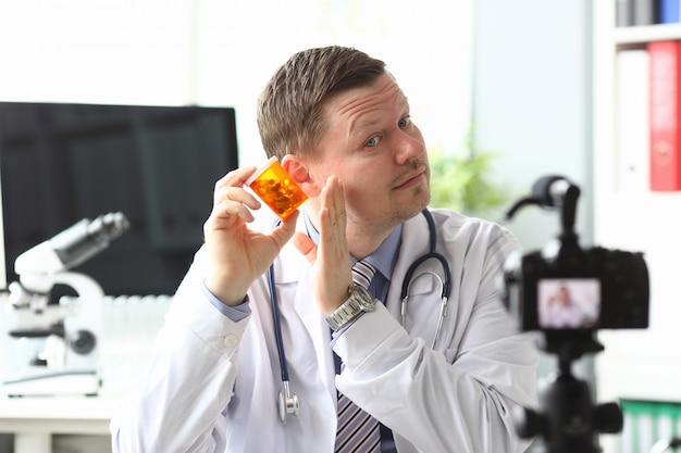 Médico concentrado inteligente