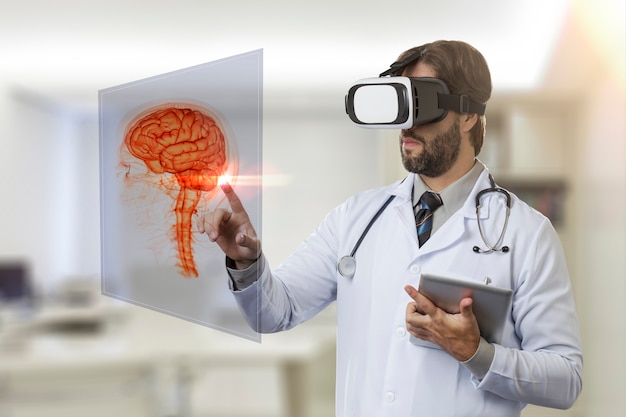 Médico em seu consultório, usando óculos de realidade virtual, olhando para um cérebro virtual