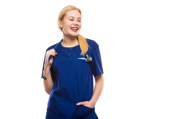 Médico feliz mulher de bata azul