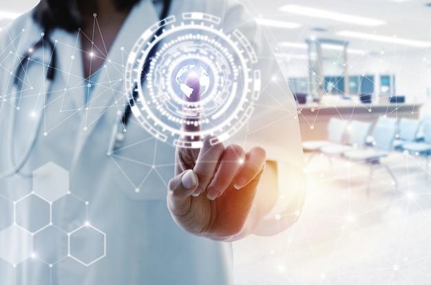 Médico feminino, com, estetoscópio, mão aponta, tocar, dados, digital, mundo, rede, conexão, holograma