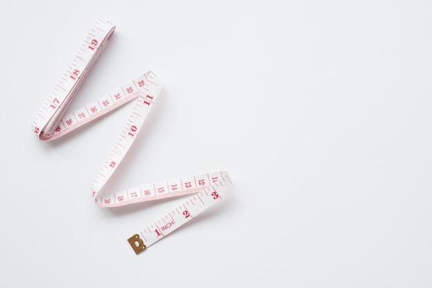 Medida de fitas isoladas no fundo branco