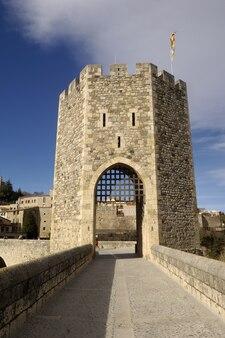 Medieval, ponte, de, besalu, em, la, garrotxa, girona, espanha