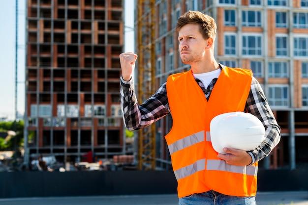 Médio, tiro, zangado, construção, trabalhador