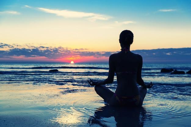 Meditação na praia