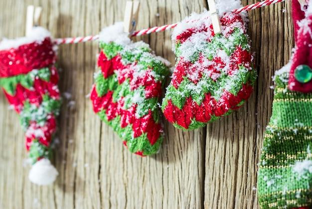 Meias de decoração de natal de malha no inverno
