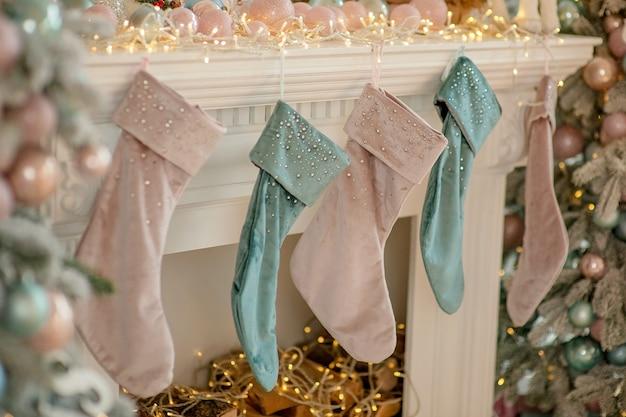 Meias tradicionais festivas para presente de natal