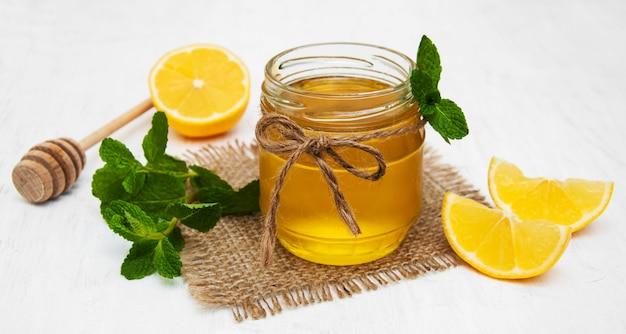 Mel com limão e hortelã