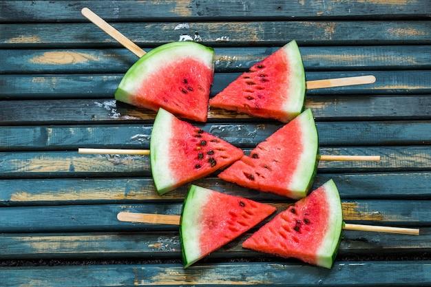 Melancia fresca deliciosa. sorvete com melancias