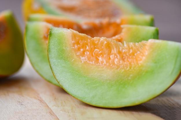 Melão amarelo - muskmelon fatiado cantalupo frutas tropicais tailandesas