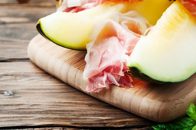 Melão fresco e hamon espanhol