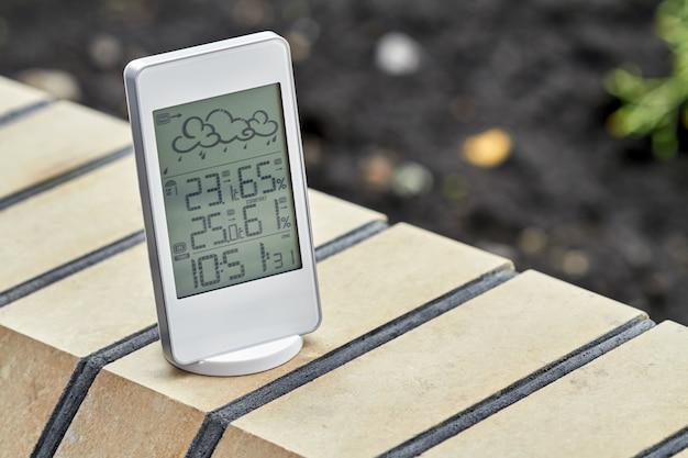 Melhor dispositivo de estação meteorológica pessoal com condições climáticas internas e externas.