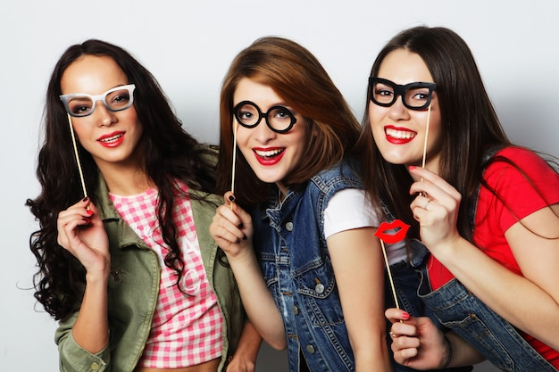 Melhores amigas de meninas hipster prontas para festa