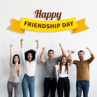 Melhores amigos comemorando o dia da amizade
