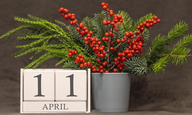 Memória e data importante 11 de abril, calendário de mesa - estação da primavera.