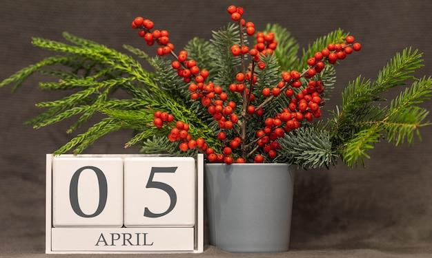 Memória e data importante 5 de abril, calendário de mesa - estação da primavera.