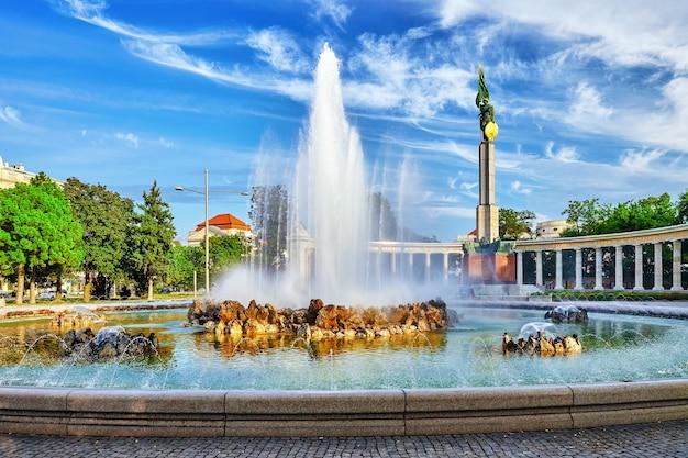 Memorial de guerra soviético em viena. conhecido formalmente como monumento aos heróis do exército vermelho. viena. áustria.