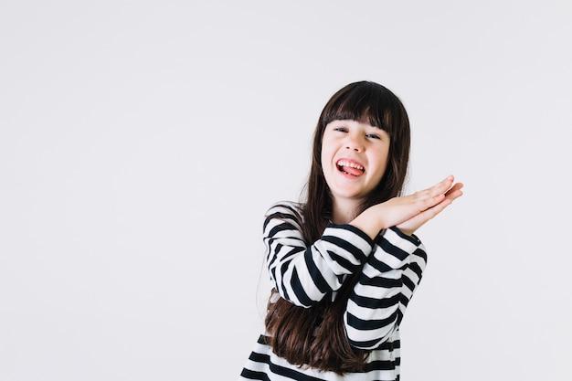 Menina alegre, aplaudindo, mãos