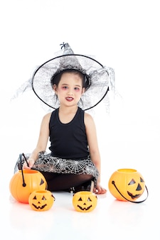 Menina asiática vestindo traje de halloween