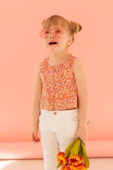 Menina chorando tiro médio