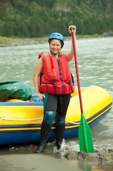 Menina com paddle