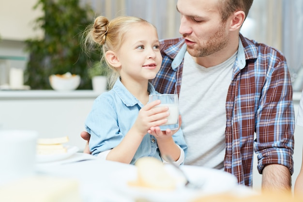 Menina com pai