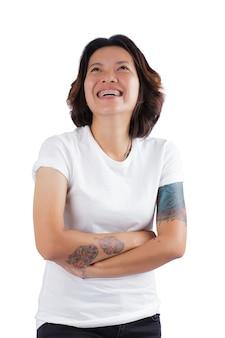 Menina com tatuagens