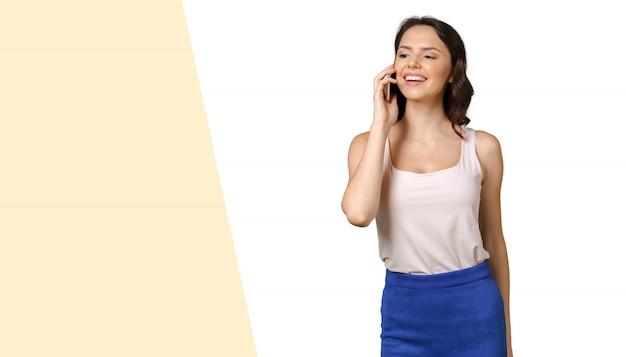 Menina, com, telefone móvel