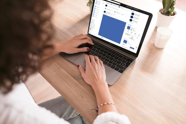 Menina, com, um, laptop