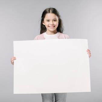 Menina, com, vazio, cartaz, em, estúdio