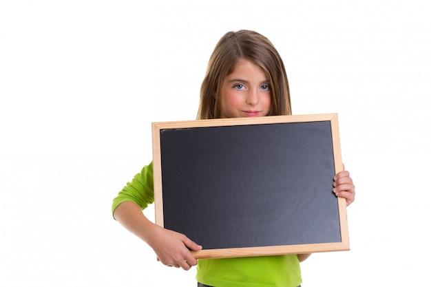 Menina criança com quadro negro cópia espaço espaço negro